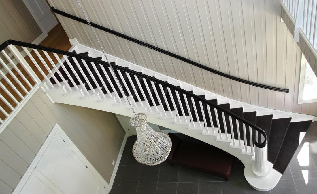 Staircase by Olderøys Snekkerifabrikk AS